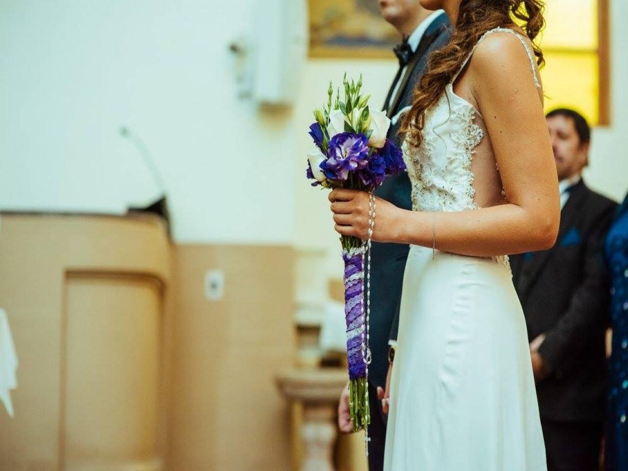 Vestidos de novia usados en calle bandera